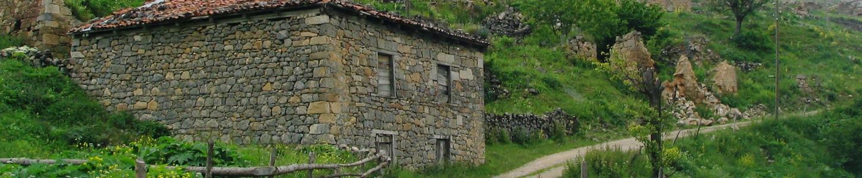 Οικισμοί και σπίτια στον δρόμο για την Σάντα