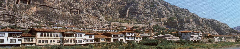 Στις αρχές του 20ού αιώνα, το ελληνικό στοιχείο της περιοχής αριθμούσε 155.000 κατοίκους
